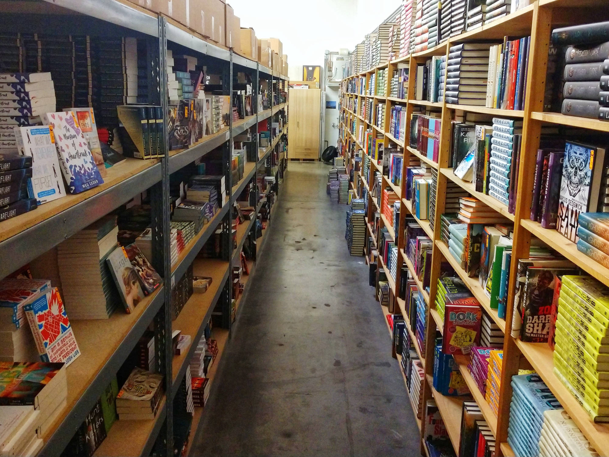 long double sided row of bookshelves